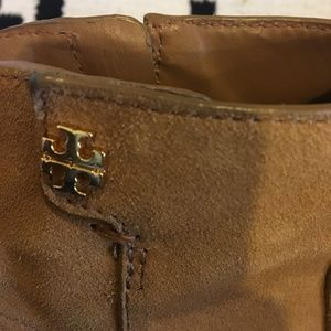 Tory Burch Shoes - Tory Burch zip fastening ankle boot